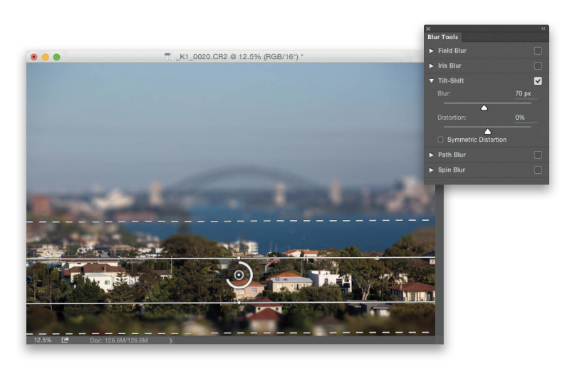 How-do-i-do-that-in-photoshop-tilt-shift-effect-scott-kelby